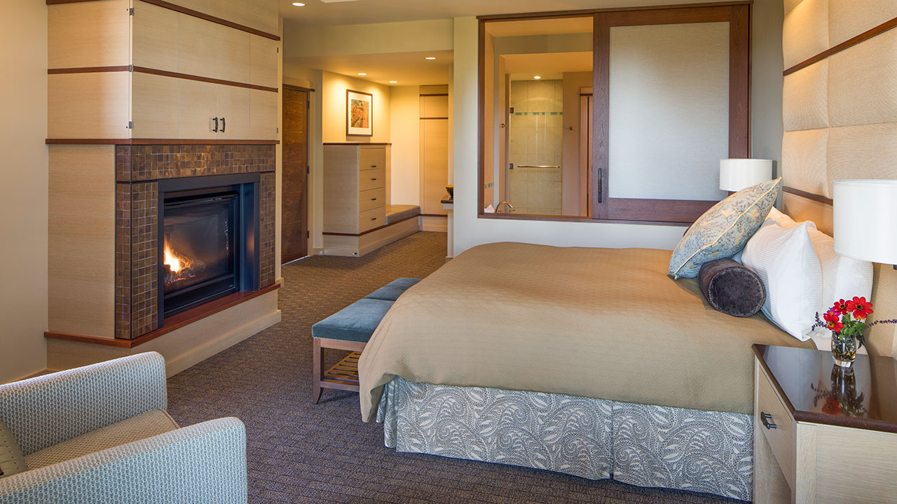 Grand Suite Bedroom With Fireplace