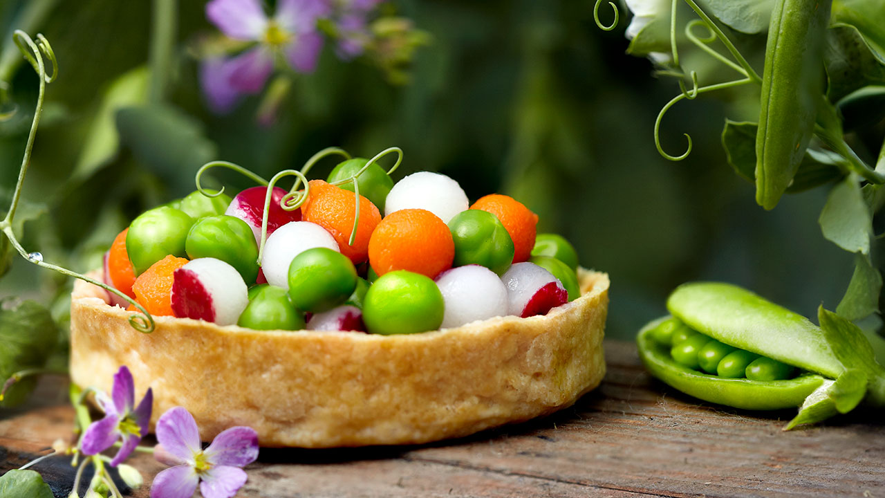 Brown Butter Tartelette – English Peas, Radish, Sweet Carrots